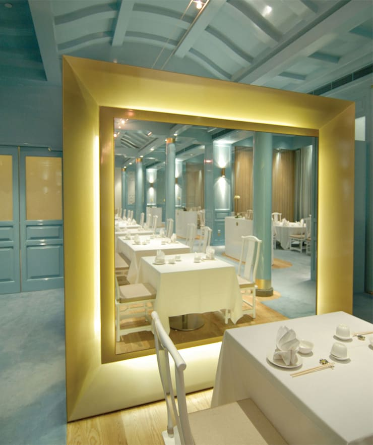 Royal China Restaurant:  Gastronomy by MinistryofDesign