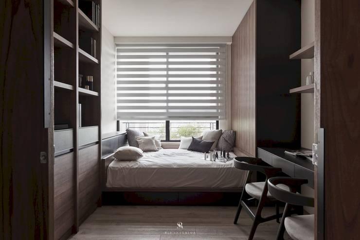 Estudios y oficinas de estilo  por 理絲室內設計有限公司 Ris Interior Design Co., Ltd.