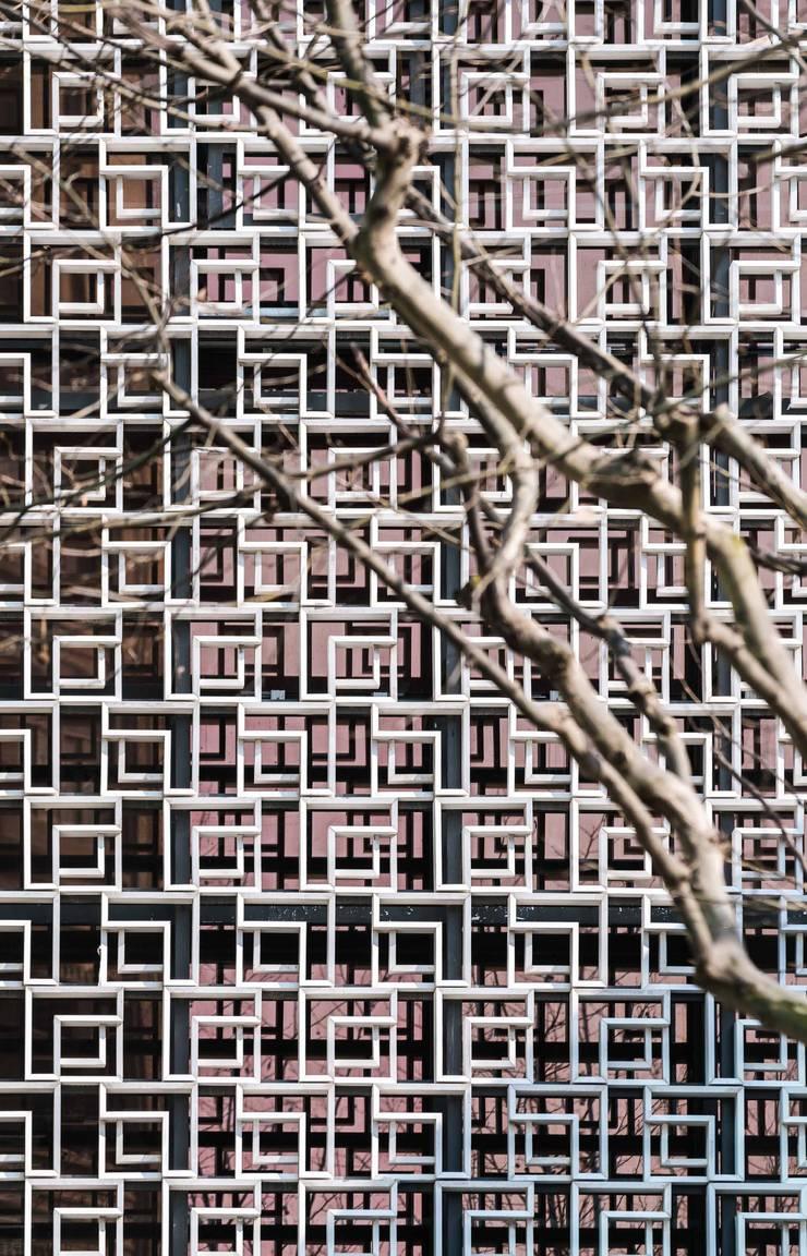 "Shanghai Landmark Center, Shanghai, China: {:asian=>""asian"", :classic=>""classic"", :colonial=>""colonial"", :country=>""country"", :eclectic=>""eclectic"", :industrial=>""industrial"", :mediterranean=>""mediterranean"", :minimalist=>""minimalist"", :modern=>""modern"", :rustic=>""rustic"", :scandinavian=>""scandinavian"", :tropical=>""tropical""}  by Architecture by Aedas,"