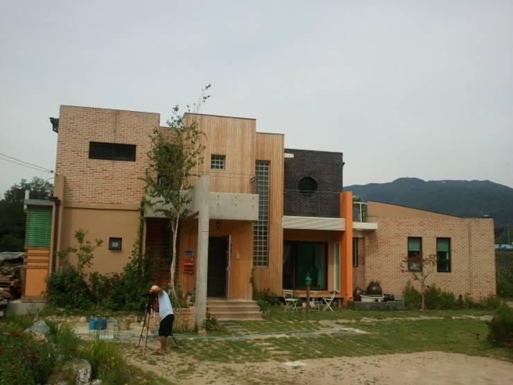 청람재 – 강원도 전원주택 : 규빗건축사사무소의  주택