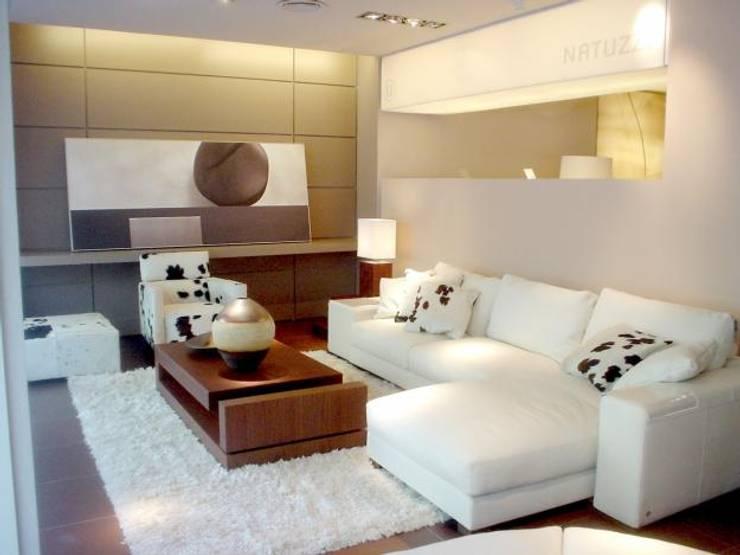 Sala Modular:  de estilo  por Muebles y Diseños Modernos, Moderno Sintético Marrón