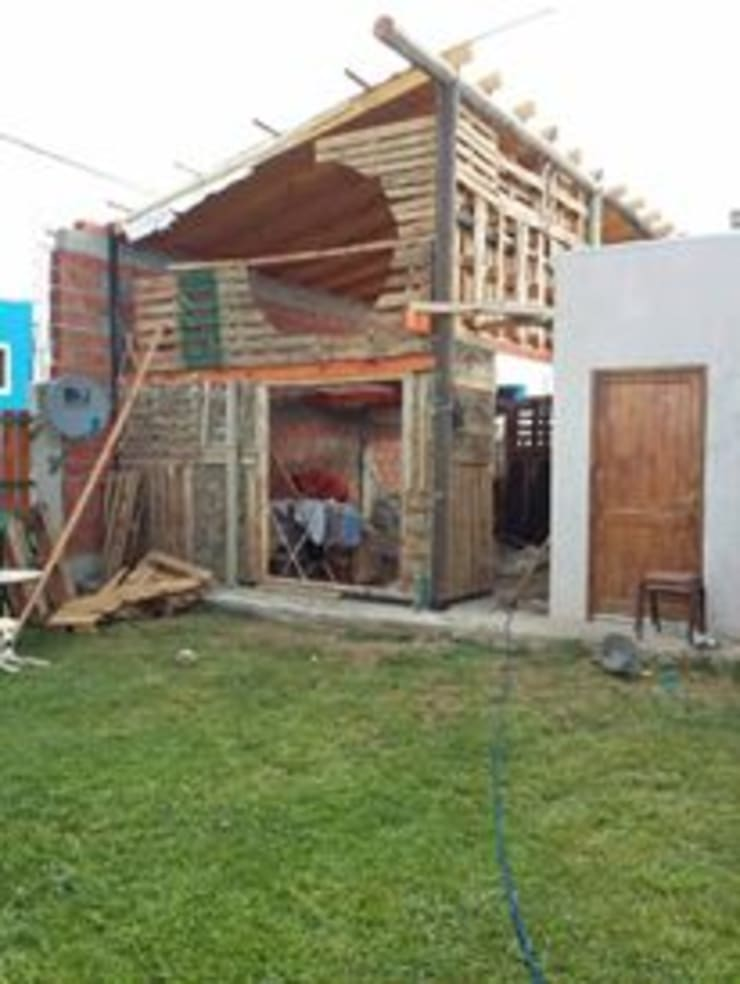 Casa Pellegrino: Casas de estilo  por Arq Laszeski,