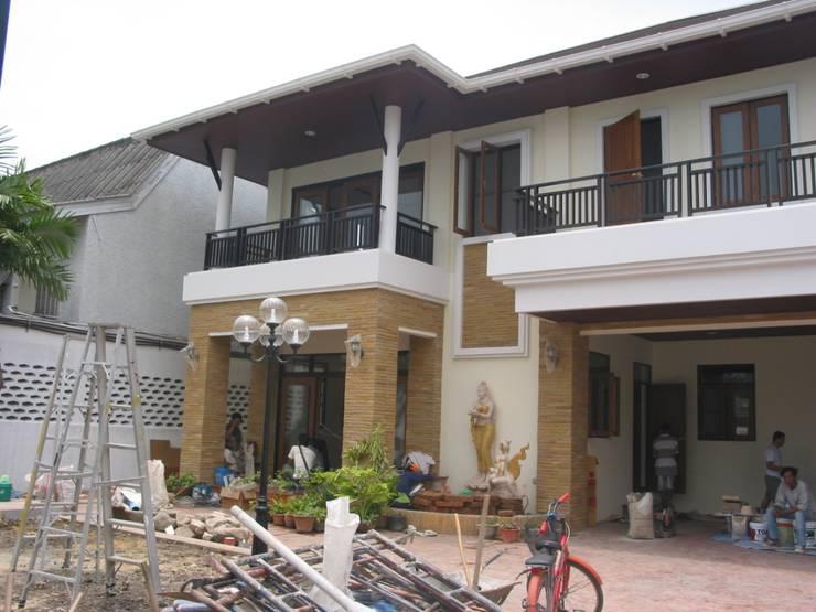 House :  บ้านและที่อยู่อาศัย by SDofA Architect