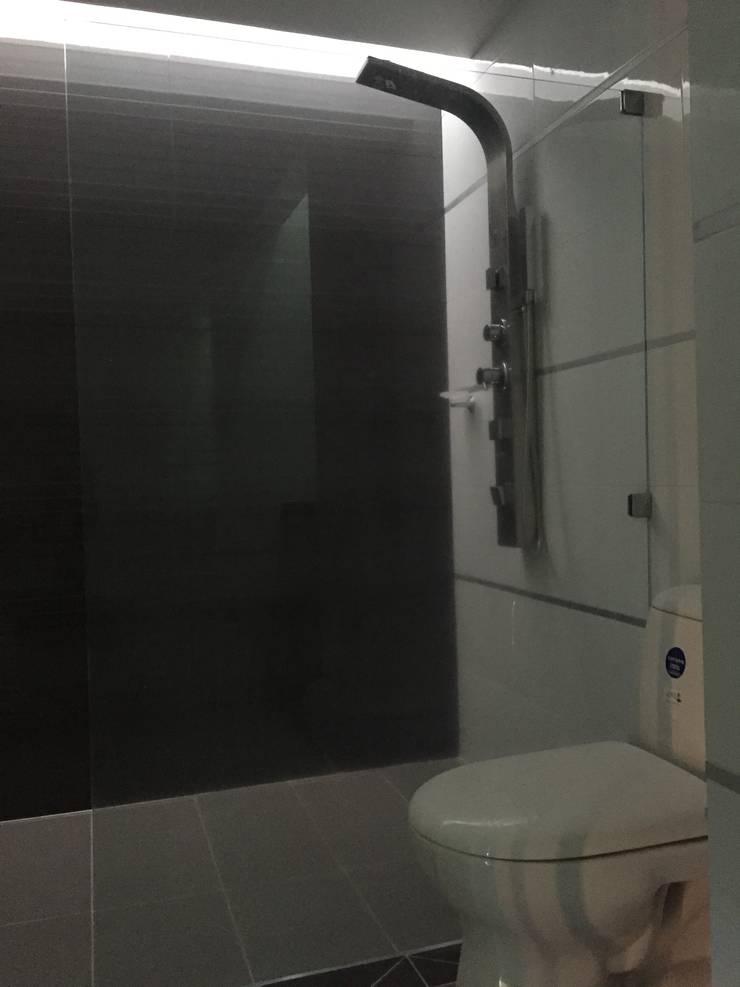interior vivienda B&N: Baños de estilo  por Ecka, Diseño & Construccion,