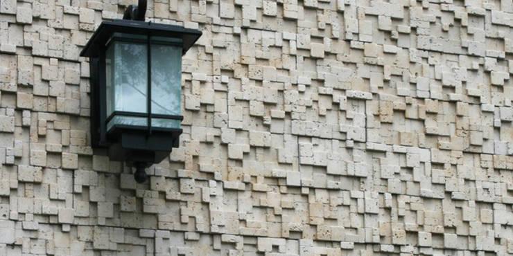 muro textura: Casas de estilo  por Ecka, Diseño & Construccion,