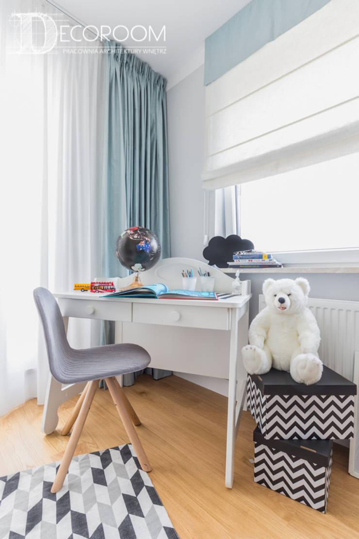 Cuartos infantiles de estilo  por Decoroom, Escandinavo