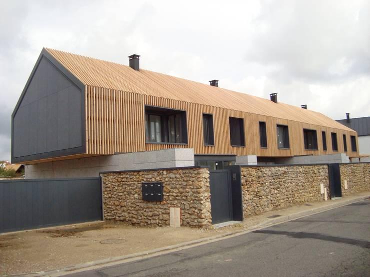 RUSTICASA | 100 projetos | França + Benelux: Casas de madeira  por Rusticasa