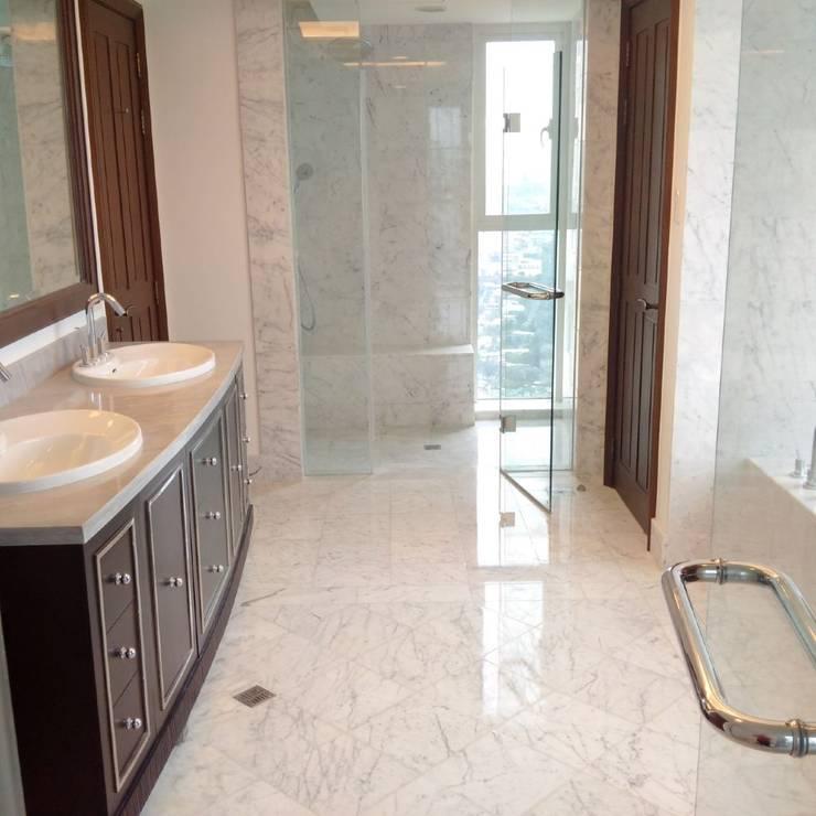 Salle de bain de style de style Moderne par Acemar