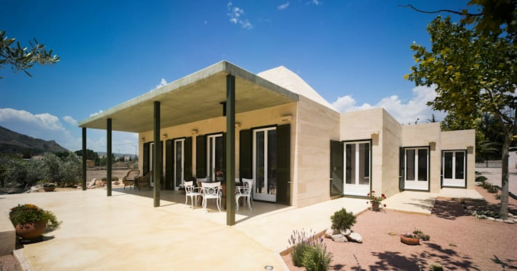 mediterranean Houses by ARENISCAS ROSAL