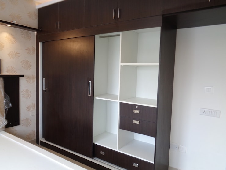Cupboard Online Shopping: asian Bedroom by Scale Inch Pvt. Ltd.