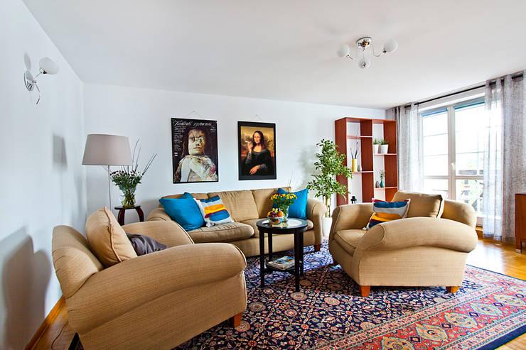 Salon po homestagingu: styl , w kategorii  zaprojektowany przez Mhomestudio