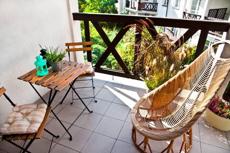 Balkon po homestagingu: styl , w kategorii  zaprojektowany przez Mhomestudio