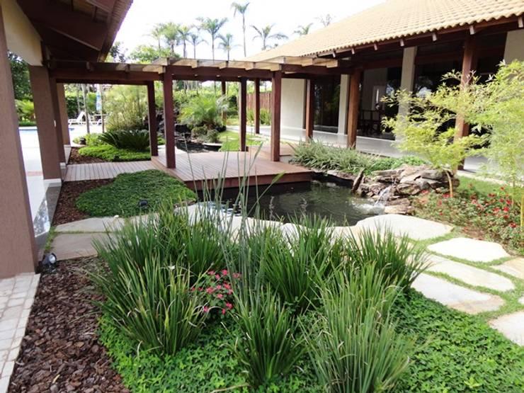 Jardines de estilo  por Guilherme Elias Arquiteto
