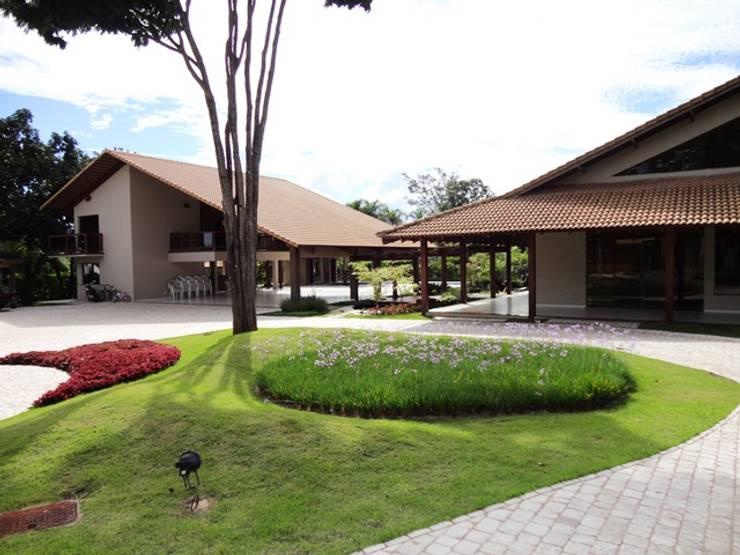 Rumah by Guilherme Elias Arquiteto