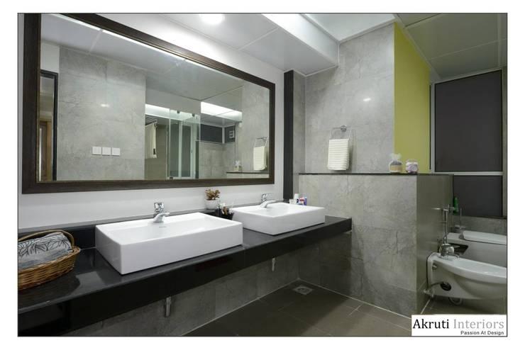 Master Bath:  Bathroom by Akruti Interiors Pune