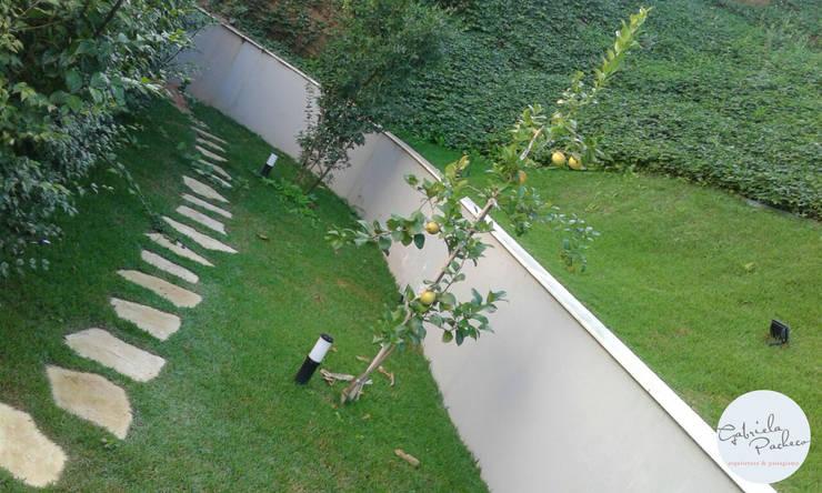 Jardines de estilo  por Gabriela Pacheco | Arquitetura+Design+Paisagismo