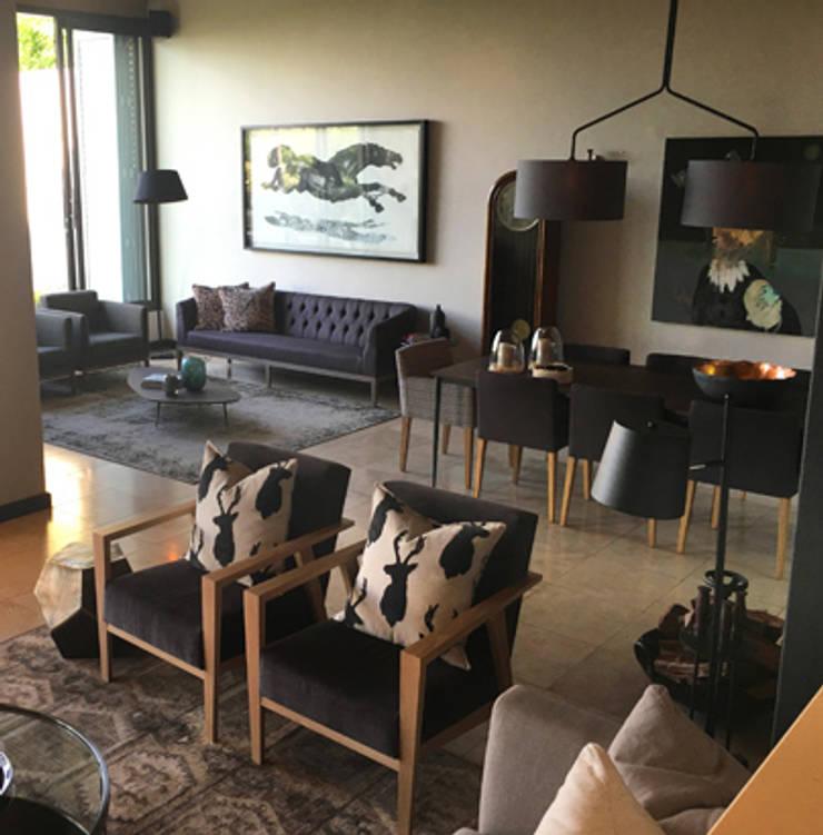 Herbert Baker Residence:  Living room by Full Circle Design, Modern