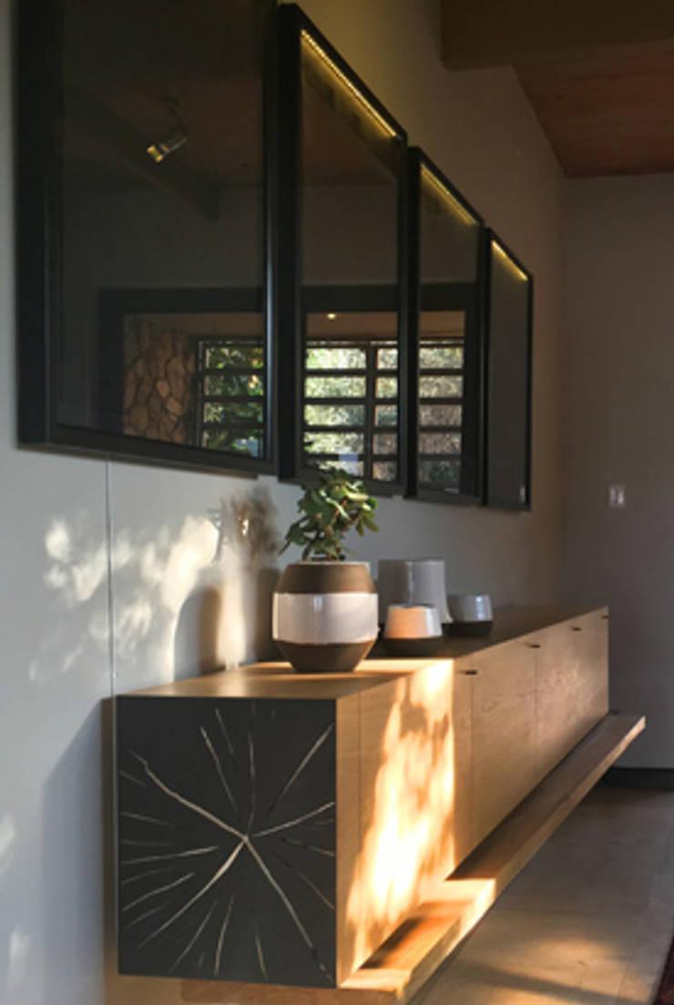 Herbert Baker Residence:  Corridor, hallway & stairs  by Full Circle Design