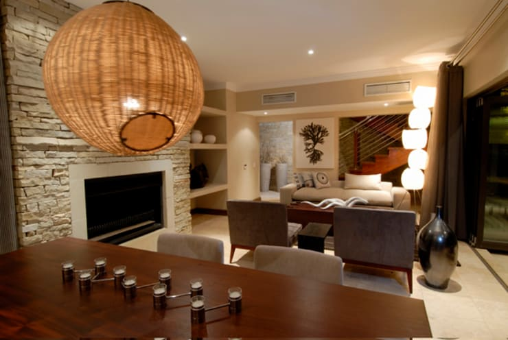 Nondela 3:  Living room by Full Circle Design