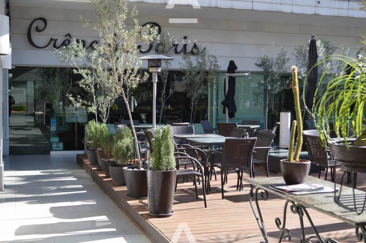 Crepe de Paris : Restaurantes de estilo  por Álzar