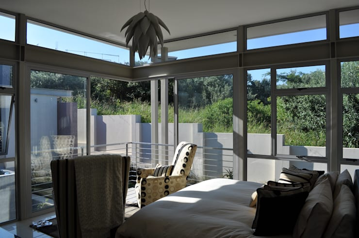 Ballito House KZN: modern Bedroom by Karel Keuler Architects