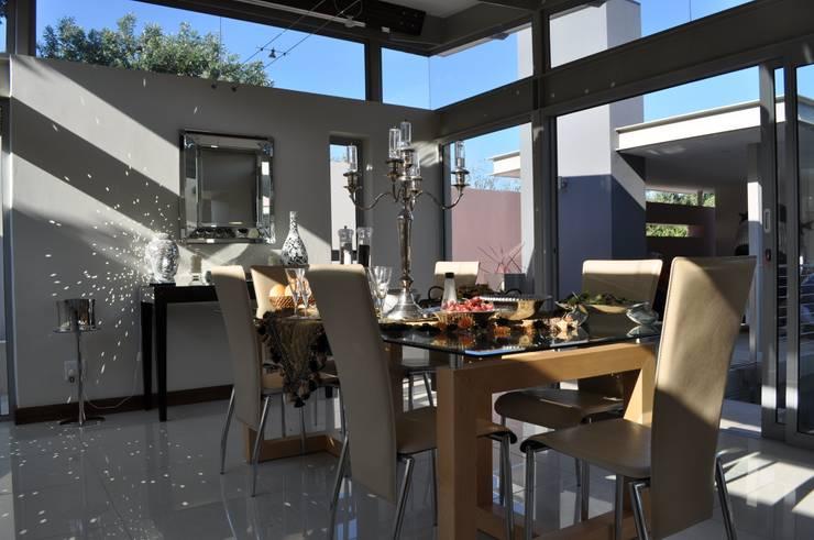 Ballito House KZN:  Dining room by Karel Keuler Architects