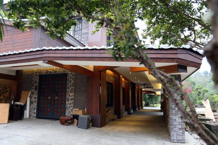 維摩山房:  房子 by 台中室內建築師|利程室內外裝飾 LICHENG
