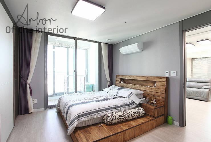 인천 송도 더샵그린스퀘어 38평형: 디자인 아버의  침실,