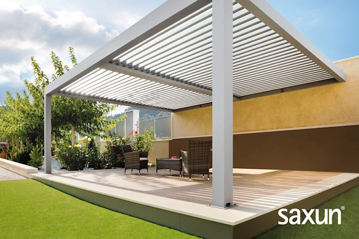 PRESENTACIÓN PÉRGOLAS BIOCLIMÁTICAS SAXUN: Jardín de estilo  de Saxun