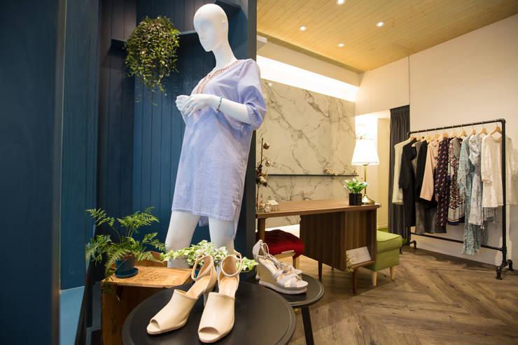 Mojito:  商業空間 by 築一國際室內裝修有限公司