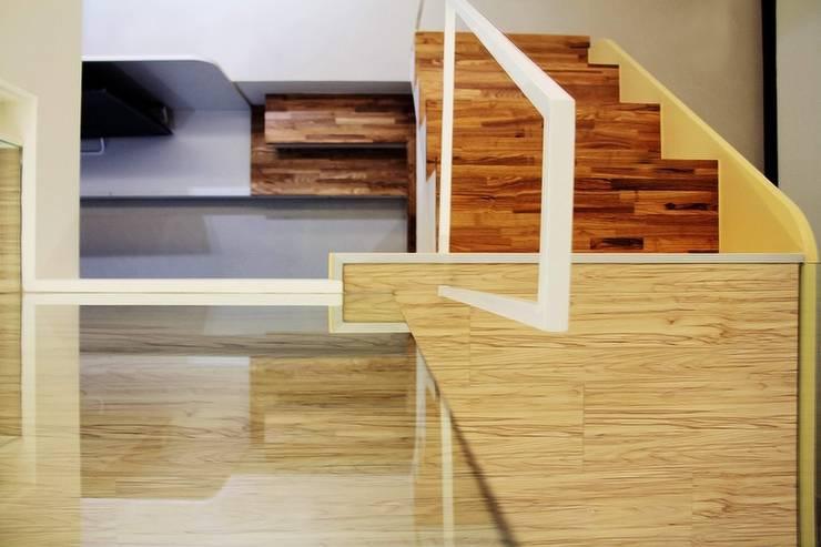 Curvature:  臥室 by 築一國際室內裝修有限公司