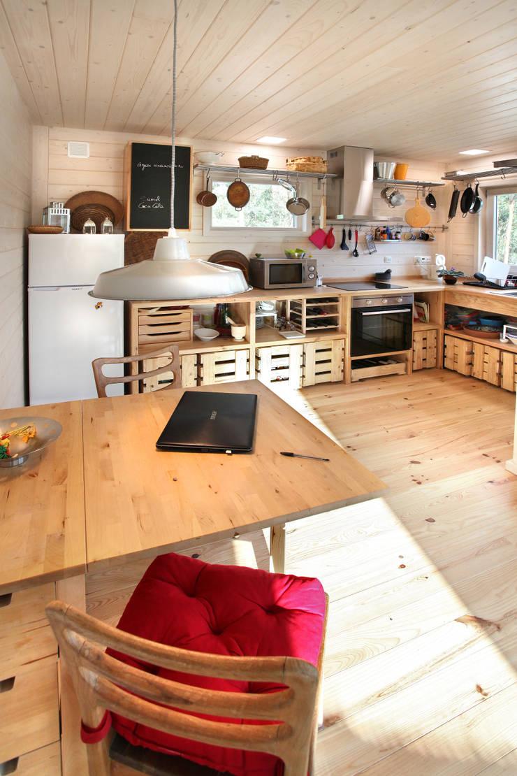 Unit dapur oleh Rusticasa, Minimalis Kayu Wood effect