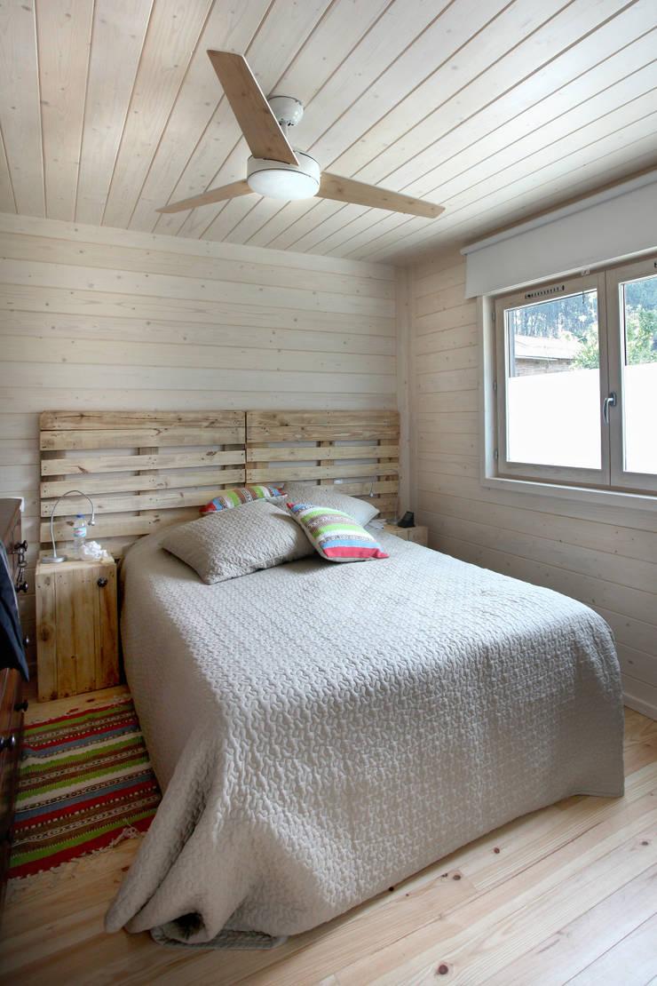 Kamar Tidur oleh Rusticasa, Minimalis Kayu Wood effect