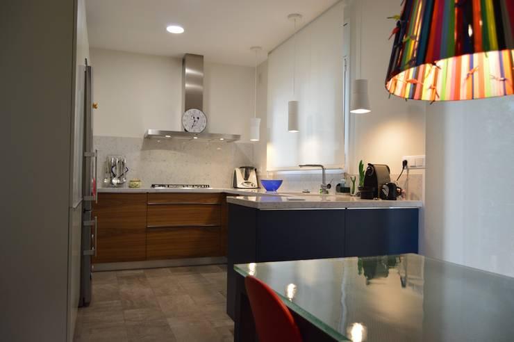 : minimalistic Kitchen by Upper Design by Fernandez Architecture Firm