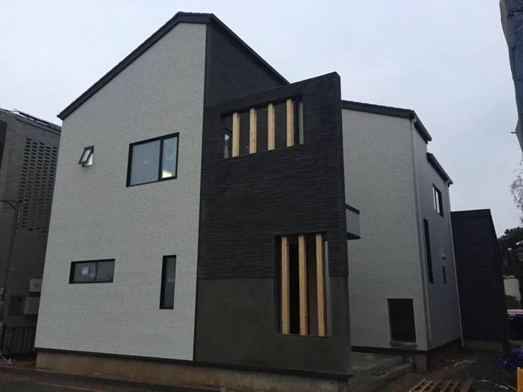 내진설계 구조와 레드파인 집성철물 공법으로 외부 마감재는 KMEW 와 이낙스타일 호소와리보더 모델을 사용하였습니다.: 창조하우징의