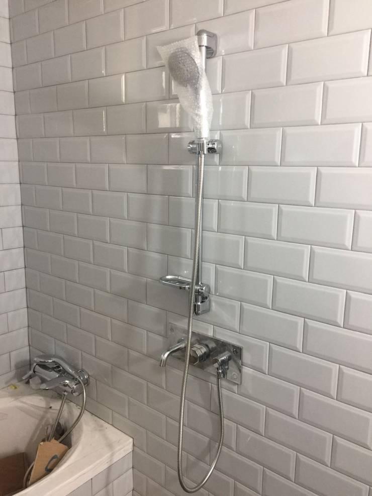화장실 타일작업과 아메리칸스텐다드와 대림 바스 수전도기를 사용했습니다.: 창조하우징의
