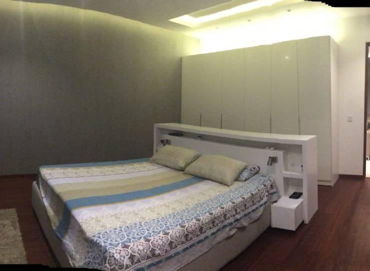Habitación, dormitorio Vila SS Whitefield | Bangalore | India: Dormitorios de estilo moderno de Studioapart