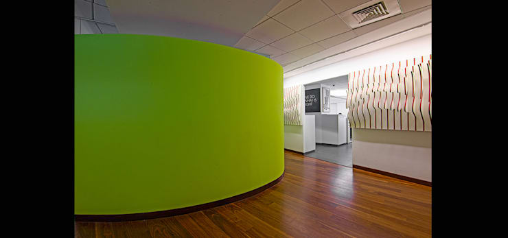 INI OFFICE:  Commercial Spaces by INI INFRASTRUCTURE & ENGINEERING,Modern