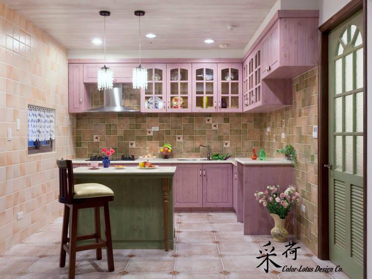 華麗復古,法式鄉村 :  廚房 by 采荷設計(Color-Lotus Design)