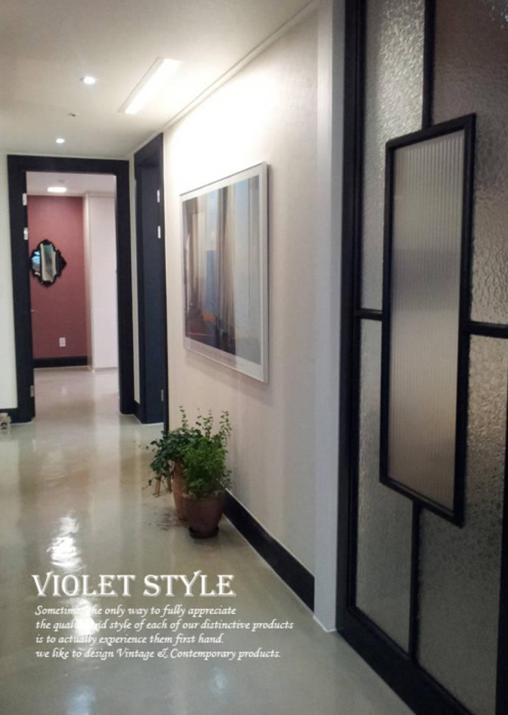 검단 47평형: 바이올렛스타일의  복도 & 현관