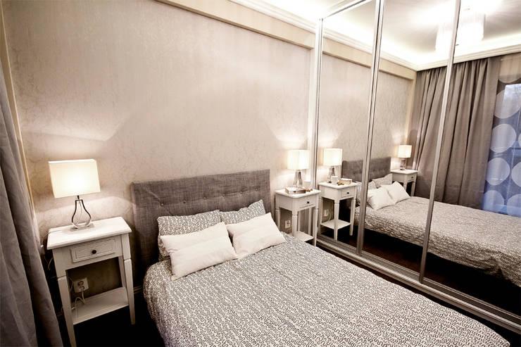 Eklektyczne mieszkanie: styl , w kategorii Sypialnia zaprojektowany przez IDAFO projektowanie wnętrz i wykończenie