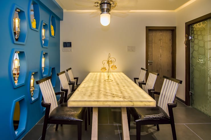 Residential-Chintubhai:  Dining room by J9 Associates