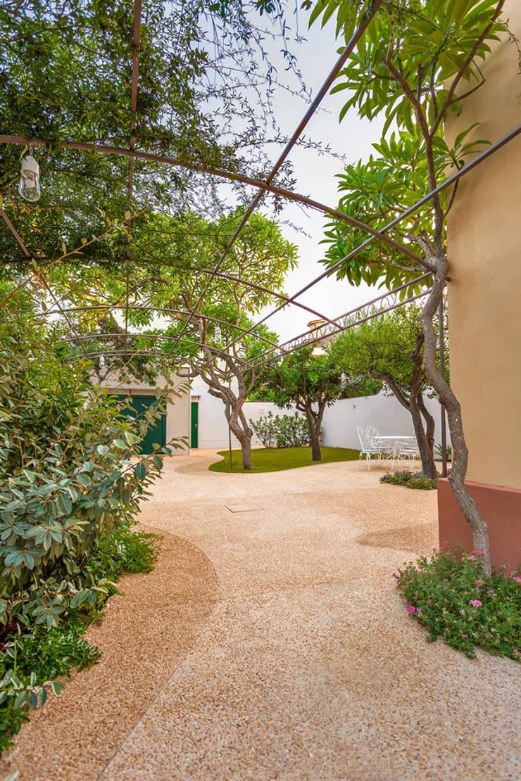 Giardino mediterraneo di studio 4e homify for Giardino mediterraneo