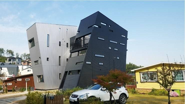 한국에서는 처음 시도하는 알루미늄 단열 사이딩이기에 일본현지 담당자들에게도 관심도가 높았습니다.   알카베사이딩은 건물 일부분에 포인트로 많이 사용하면서 점차 그 영역을 늘렸습니다.: 창조하우징의  ,