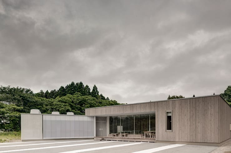 Orandajima House:  Houses by van der Architects