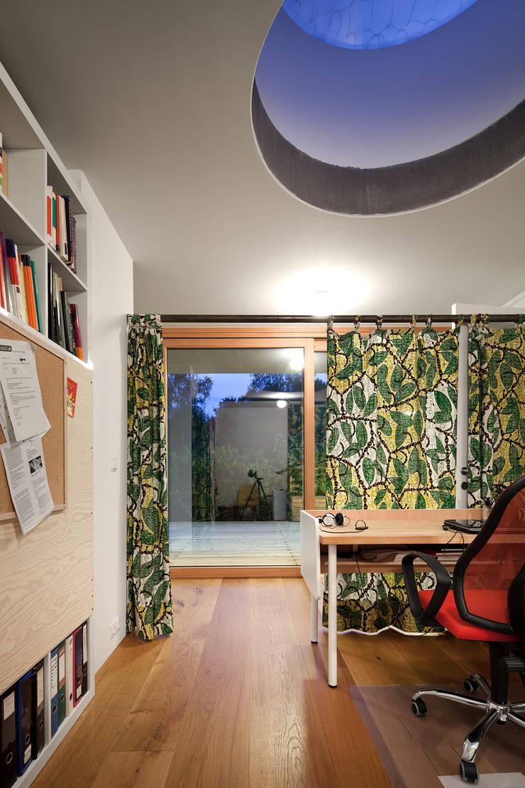 Study/office by illichmann-architecture, Modern