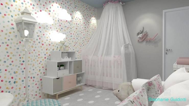 Classic style nursery/kids room by Stephanie Guidotti Arquitetura e Interiores Classic