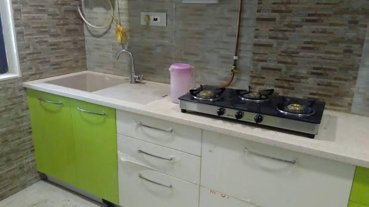 MODULAR KITCHEN:  Kitchen by Akanksha Designs