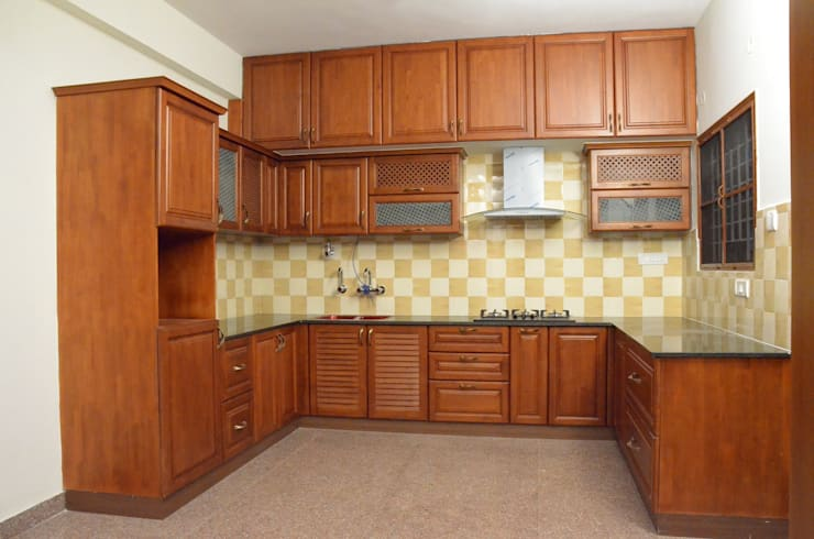 U- Shaped  Kitchen Designs For Indian Homes:  Kitchen by Scale Inch Pvt. Ltd.