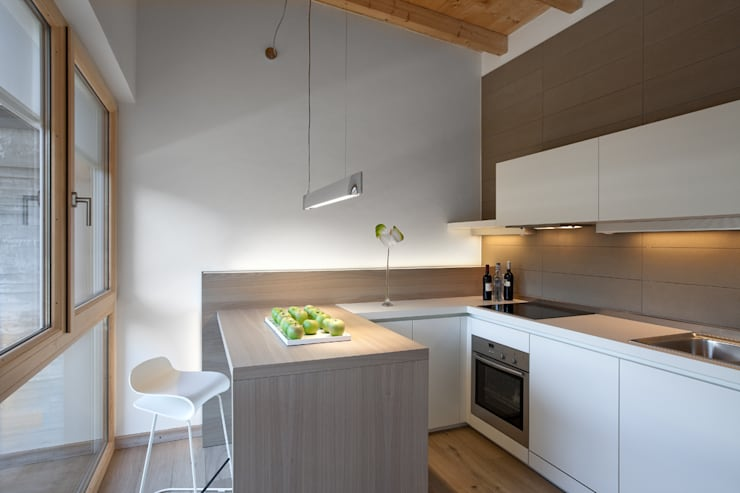 Kitchen by Luisa Fontanella architetto